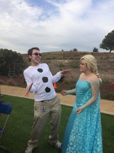 Bonus! Boyfriend surprised me with his Olaf costume!